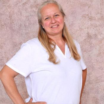 Miss Cindy Holme